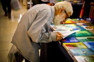 Biblioteca personas mayores en residencia geriátrica Santa Cecilia en Siero
